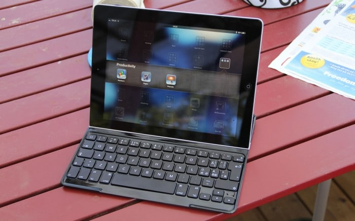 iPad 3rd Generation in the Logitech Ultrathing Keyboard Cover