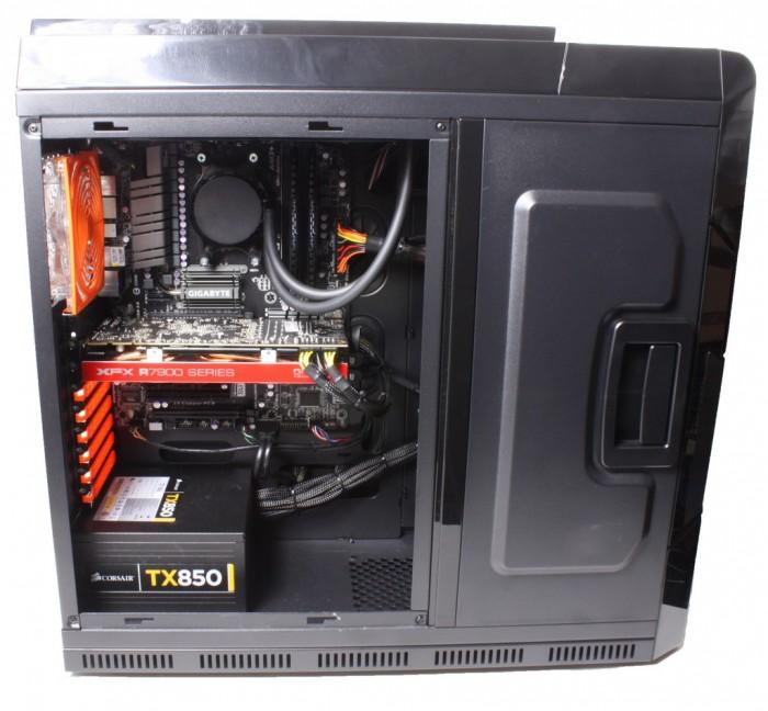 Cyberpower ZEUS EVO Lightning 2000SE3