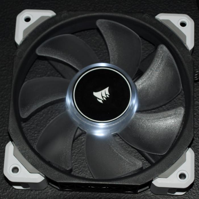 Corsair_ML120 Pro LED_10