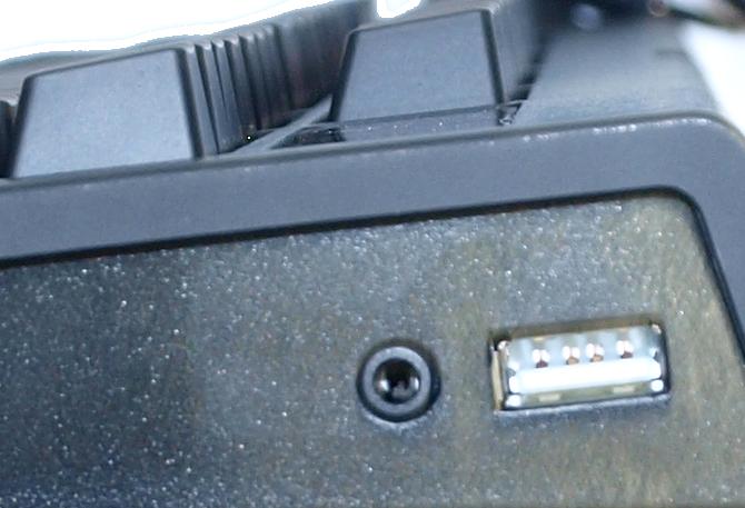 Razer BlackWidow Chroma V2 Mechanical Gaming Keyboard Review